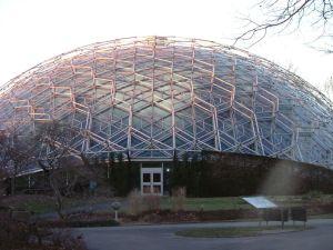 Climatron, Missouri Botanical Gardens, St. Louis (Wikimedia Commons).